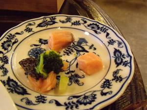 白い小悪魔-ブロッコリーと鮭